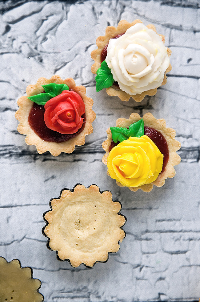 old-fashioned buttercream roses